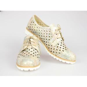 Perforované zlaté topánky