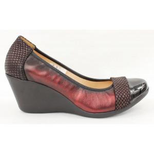 Bordové dámske topánky na platforme