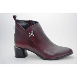 Dámske kožené členkové topánky